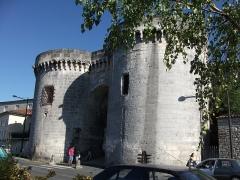 Porte et tours du Vieux-Port -  Porte Saint-Jacques (Cognac)