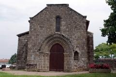 Ancienne chapelle du Saint-Esprit - Français:   Chapelle de la Commanderie, Confolens, Charente.
