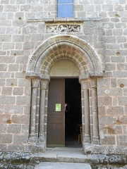 Eglise Saint-Etienne - Français:   Eglise d\'Esse, Charente, France