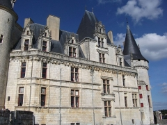 Château - This building is indexed in the Base Mérimée, a database of architectural heritage maintained by the French Ministry of Culture, under the reference PA00104467 .