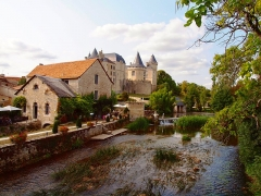 Château - This building is indexed in the Base Mérimée, a database of architectural heritage maintained by the French Ministry of Culture,under the reference PA00104534 .