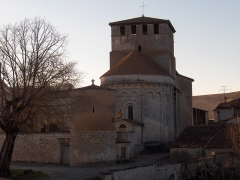 Eglise Notre-Dame - English: Church of Voulgezac, viewed from east - Charente - France - Europe