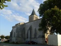 Eglise Saint-Vivien -  L\'église romane de Bords