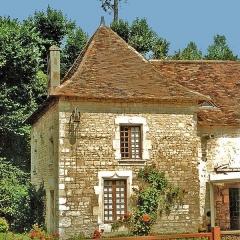Château et ses dépendances -  Communs du château de Dampierre-sur-Boutonne.
