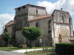 Eglise Saint-Pierre de Machennes -  L'église de Machennes