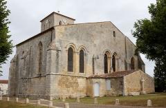 Eglise Saint-Martin - Chevet de l'église Saint-Martin à Meursac, Charente-Maritime, Poitou-Charentes, France.