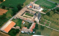 Château - This building is indexed in the base Mérimée, a database of architectural heritage maintained by the French Ministry of Culture,under the reference PA00104806 .
