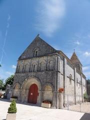 Eglise Saint-Laurent - English: Plassac (Charente-Maritime) Église Saint-Laurent