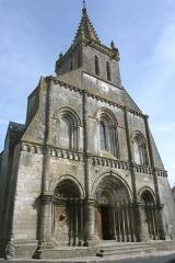 Eglise Saint-Pierre - Français:   Église Saint-Pierre Pont-l\'Abbé-d\'Arnoult Charente-Maritime France