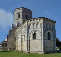 Eglise Saint-Trojan - Français:   Clocher et chevet de l\'église de Rétaud (12e siècle), Charente-Martitime, France.