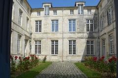 Caserne Latouche-Tréville - Français:   Caserne Latouche-Tréville  a Rochefort, Charente-Maritime, France
