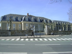 Hôpital maritime - Français:   Entrée est, sur la rue Henri Laborit, de l\'Hôpital maritime de Rochefort, Charente-Maritime.