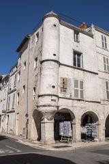 Maison dite Maison au Chien - English: Maison au Chien - La Rochelle