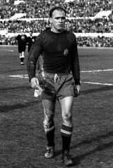 Maison - Italiano: Roma, stadio Olimpico, 28 febbraio 1959. Il calciatore argentino, naturalizzato spagnolo, Alfredo Di Stéfano esce dal campo in occasione dell'amichevole tra Italia e Spagna (1-1).