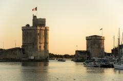 Tour Saint-Nicolas - English: Tour Saint-Nicolas et tour de la Chaîne