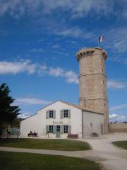 Vieux Phare des Baleines et phare des Baleineaux - Français:   Vieux Phare des Baleines