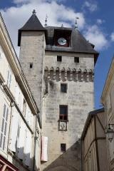 Tour de l'Horloge - Français:   Tour de l\'Horloge de Saint-Jean-d\'Angély (Classé)