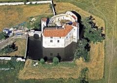 Château - Français:   Après l\'achèvement des travaux.
