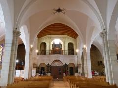 Eglise Saint-Pierre - English: Saint-Pierre-d'Oléron ( Ile d'Oleron ).Saint-Pierre parish church - Interior.