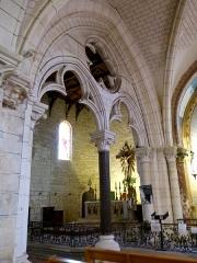 Eglise Saint-Pierre - English: Saint-Pierre-d'Oléron ( Ile d'Oleron ). Saint-Pierre parish church - Chapel of the Sacred Heart ( 1882 )