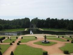 Château de la Rochecourbon - Français:   Vu du balcon extérieur et sur les jardins