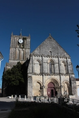 Eglise Saint-Savinien - Français:   Église Saint-Savinien, Fr-17-Saint-Savinien.