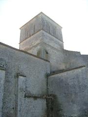 Eglise Saint-Saturnin -  Clocher de l'église romane