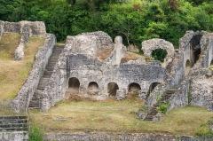 Restes de l'amphithéâtre gallo-romain - English: Structures of the roman amphitheatre in Saintes, Charente-Maritime, France