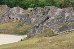 Restes de l'amphithéâtre gallo-romain - English: Saintes Amphitheater, Detail, Charente-Maritime, France