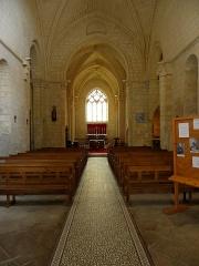 Eglise Saint-Pallais - Français:   Église Saint-Pallais de Saintes (17). Intérieur.