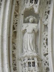 Eglise Saint-Pierre - Voussure du portail occidental de la cathédrale Saint-Pierre de Saintes (17).