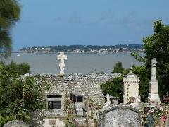 Ancien cimetière - English: Talmont-sur-Gironde ( Charente-Maritime ). Cemetery.