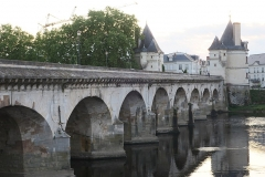 Pont Henri IV - This building is indexed in the Base Mérimée, a database of architectural heritage maintained by the French Ministry of Culture, under the reference PA00105404 .