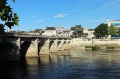 Pont Henri IV - Français:   Pont Henri-IV à Châtellerault en France.