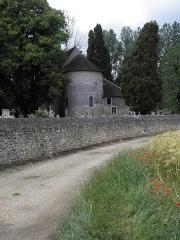 Eglise de Saint-Pierre-les-Eglises - Français:   Chevet de l\'église de Saint-Pierre-les-Églises en Chauvigny (86).