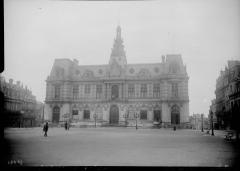 Hôtel de ville - Français:   L\'Hôtel de ville de Poitiers en 1916.
