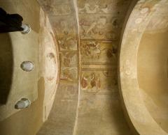 Ancienne église abbatiale - fresques à l'intrados d'une voûte de l'abbaye Saint-Savin-sur-Gartempe (Vienne).