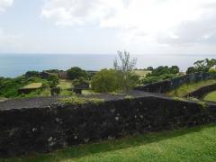 Fort Saint-Charles, Fort Richepance ou Fort Delgrès, puis laboratoire de vulcanologie - Français:   Vue de la rade et une partie du Fort
