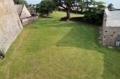 Fort Saint-Charles, Fort Richepance ou Fort Delgrès, puis laboratoire de vulcanologie - Le Fort Louis Delgrès (Cour Bastion de Basse-Terre)