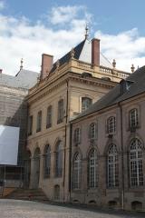 Domaine du château - Coin Sud-Est de la Cour d'honneur du Château de Lunéville