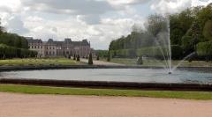 Domaine du château - Fontaine dans les jardins à la française du château de Lunéville