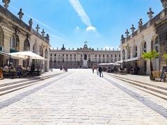 Ensemble formé par la place Stanislas, la rue Héré et la place de la Carrière - Place Stanislas à Nancy (Meurthe-et-Moselle, France).