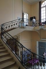 Bourse des Marchands - Français:   vue du bâtiment de la place carrière.
