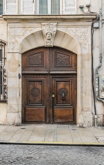 Immeuble - English: Portal of the building at 30 rue Saint-Nicolas in Nancy, Meurthe-et-Moselle, France