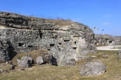 Fort - Deutsch: Kasernenbereich des Fort Doaumont