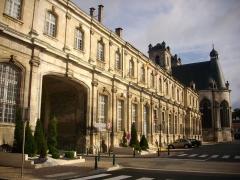 Ancienne abbaye - Français:   Abbaye de Saint-Mihiel (Meuse, France). Bâtiment oriental abritant la mairie