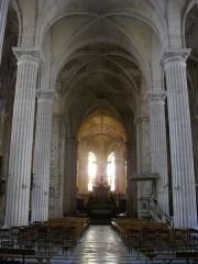 Ancienne abbaye - Église abbatiale Saint-Michel de Saint-Mihiel (Meuse, France). Nef