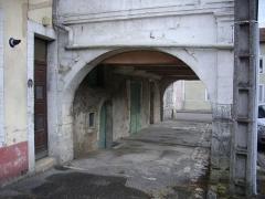 Immeuble dit Café des Arcades - Français:   Café des Arcades à Saint-Mihiel (Meuse, France)