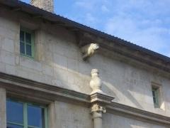 Immeuble - Français:   Hôtel de Bousmard à Saint-Mihiel (Meuse, France). Gargouille