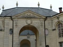 Evêché - Français:   Ancien palais épiscopal de Verdun (Centre mondial de la paix): façade principale (détail)